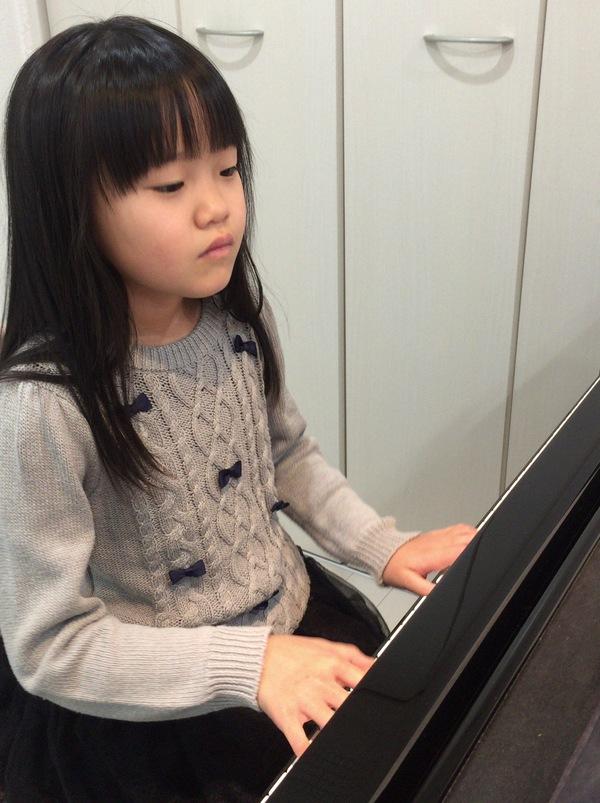 学芸会のピアノ伴奏